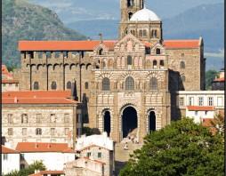 Kathedraal en klooster van le Puy-en-Velay