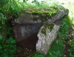 Dolmen 'Palet de Gargantua' in Seneujols